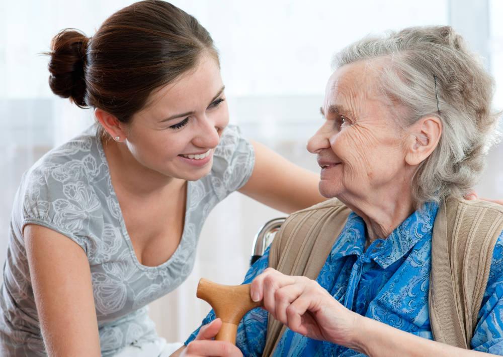 Die richtige Körperpflege und Hautpflege bei Pflegebedürftigen