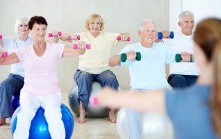 Turnübungen für Senioren